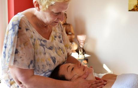 Massage, Gisela Stellmacher, geneeskundige therapie