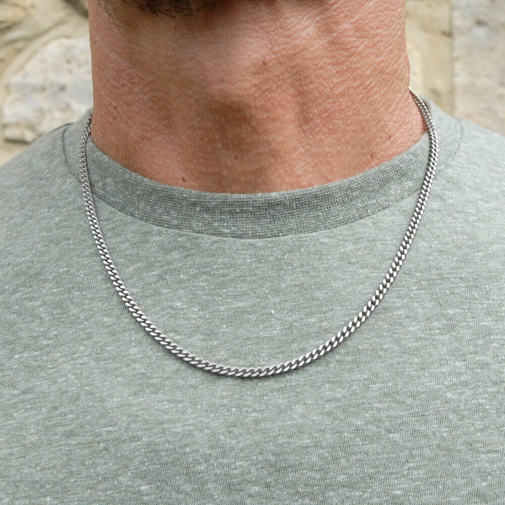 Medium titanium comfort chain on TouchTitanium.com Strong and comfortable. Titanium chain made to fit in with your lifestyle. This is a solid mid-weight chain, designed for every day wear. Made from 100% hypoallergenic titanium and available in a range of sizes to choose from, all fitted with durable titanium clasps.