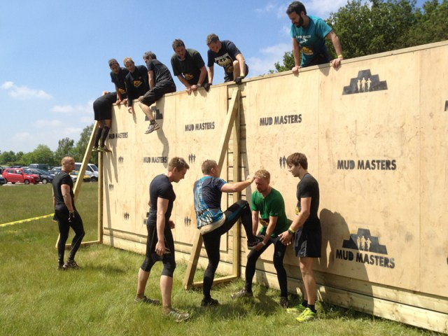 "Mud Master Obstacle Run Hindernis ""Great Walls"""