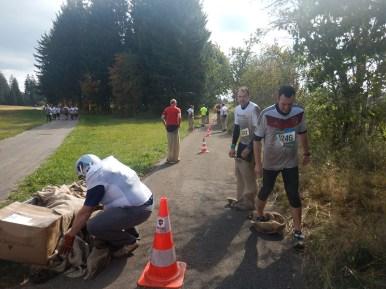 Hindernislauf Baden-Württemberg, Rothaus Mudiator Run 2015, Hindernis Sackhüpfen