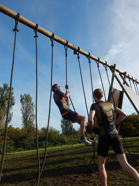 Strong Viking Obstacle Run brother edition 2015, Hindernis Dragon Ropes