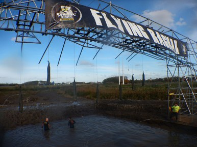 Strong Viking Obstacle Run brother edition 2015, Hindernis Flying Ragnar 1