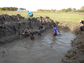 Strong Viking Obstacle Run brother edition 2015, Hindernis Mud Trenches