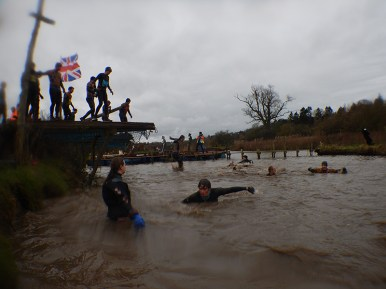 Hindernislauf England,Tough Guy 2016, Hindernis Death Plunge