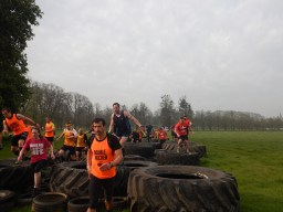 Hindernislauf England, Rat Race Dirty Weekend 2016, Hindernis the car park