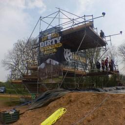 Hindernislauf England, Rat Race Dirty Weekend 2016, Hindernis Water Wipeout Sprungturm