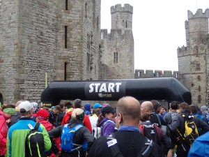 Rat Race Man vs. Mountain, Hindernislauf Wales, Caernarfon Castle Startbereich