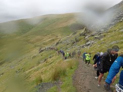 Rat Race Man vs. Mountain, Hindernislauf Wales, der Rat Runners Lindwurm