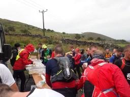 Rat Race Man vs. Mountain, Hindernislauf Wales, Erste Verpflegungsstation