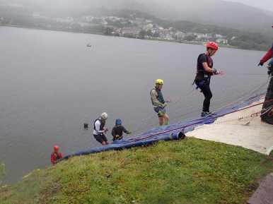 Rat Race Man vs. Mountain, Hindernislauf Wales, Hindernis Abseiling