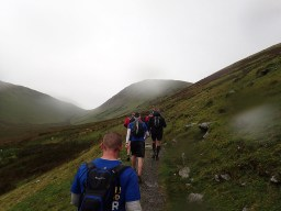 Rat Race Man vs. Mountain, Hindernislauf Wales, Uphill again