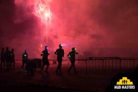 Mud Masters Obstacle Run Night Shift, Hindernislauf Deutschland, Feuerwerk am Start