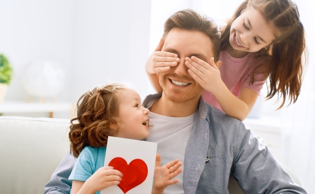Cadeaux personnalisés fête : que ferait plaisir à nos papas ?