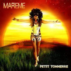 Entourée comme toujours de ses musiciens, dont plusieurs potes du collectif CEA, la fille de Limoilou, à Québec, a sorti au printemps 2014, Petit Tonnerre, un nouvel album dans lequel elle aborde notamment sa nouvelle vie de maman.