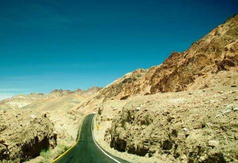 Route dans la Death Valley