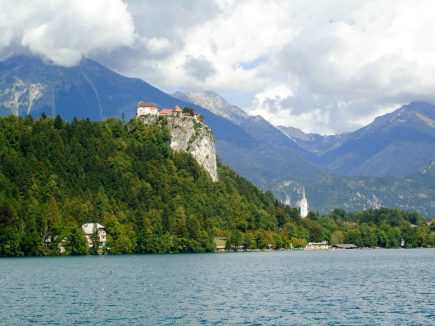 chateau du lac de bled
