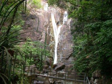 شلالات جزيرة بينانج في ماليزيا