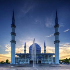 المسجد الازرق شاه علم