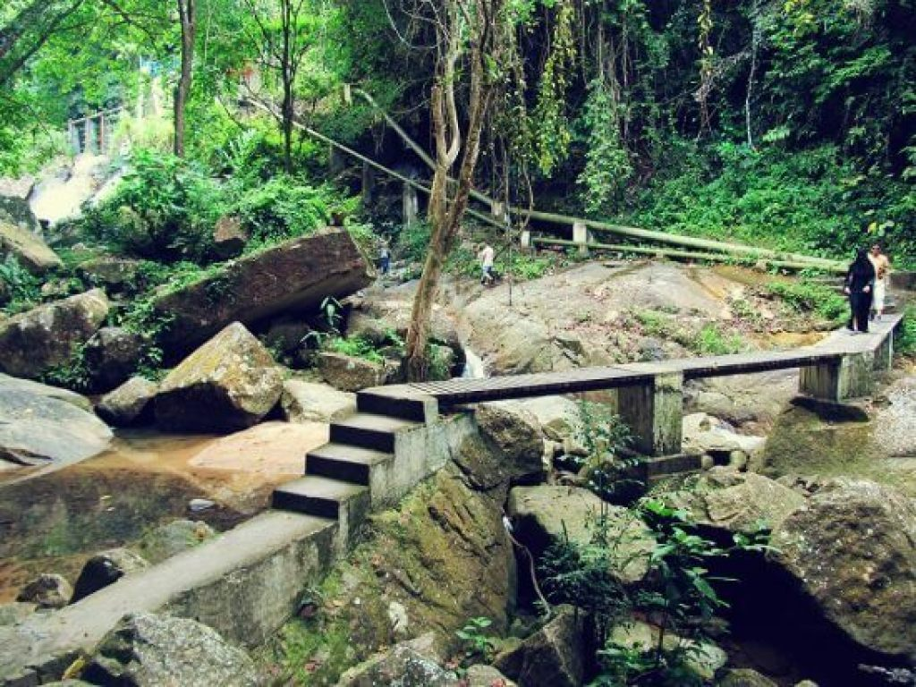 waterfall09