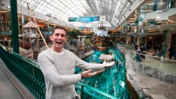 LARGEST MALL IN NORTH AMERICA – West Edmonton Mall