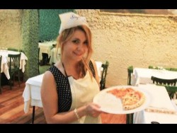 How to Cook REAL Italian Pizza // Rome, Italy