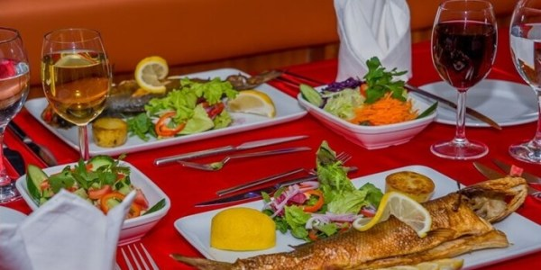 Bosphorus Dinner Cruise with Unlimited Alcoholic Drinks