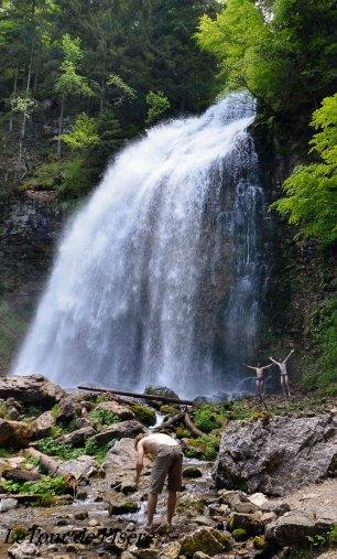 Source du Tour, La cascade du Guiers ! ça tape fort sur les épaules !!