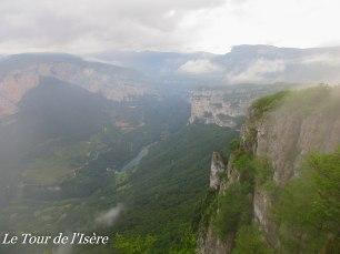 Une journée de plus sous la pluie ! Les falaises des gorges de la Bourne offrent une vue magnifique !