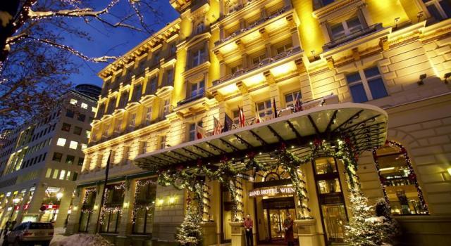 10-hotel