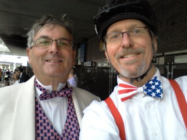 I met another rider who had an outfit that resembled the flag of his country.