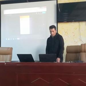 دورة تدريبية بعنوان(التعليم الالكتروني اداة التواصل بين الاساتذة والطلبة في التعليم الجامعي)