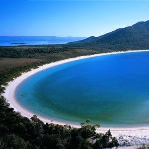 tourism-guide-australia-freycinet-peninsula-wineglass-bay