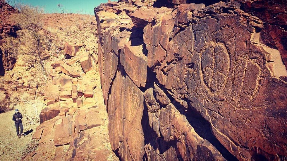 tourism-guide-Australia-mount-chambers-gorge