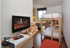 ibis-bangkok-riverside-family-room-2