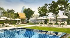 ibis-bangkok-riverside-swimming-pool-2