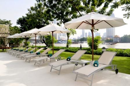 ibis-bangkok-riverside-swimming-pool-4