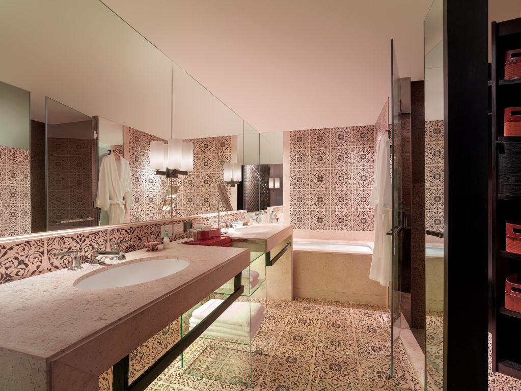 Grand Hyatt Erawan Bangkok_Grand Executive Suite_Bathroom