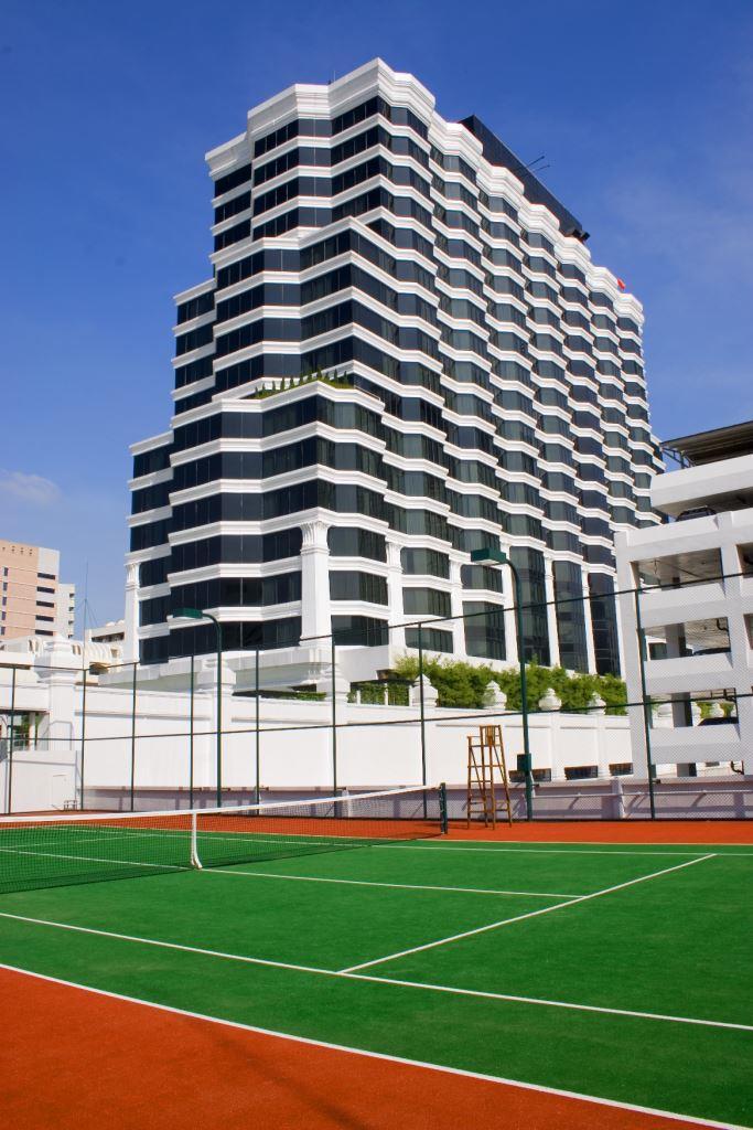 Grand Hyatt Erawan Bangkok_Tennis court