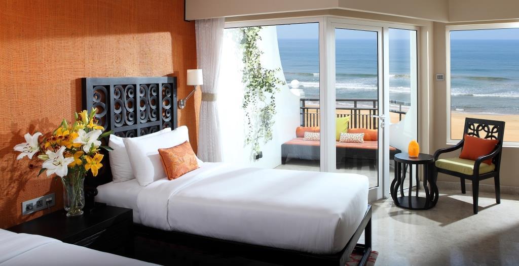 Deluxe Delight Sea View Twin bedroom