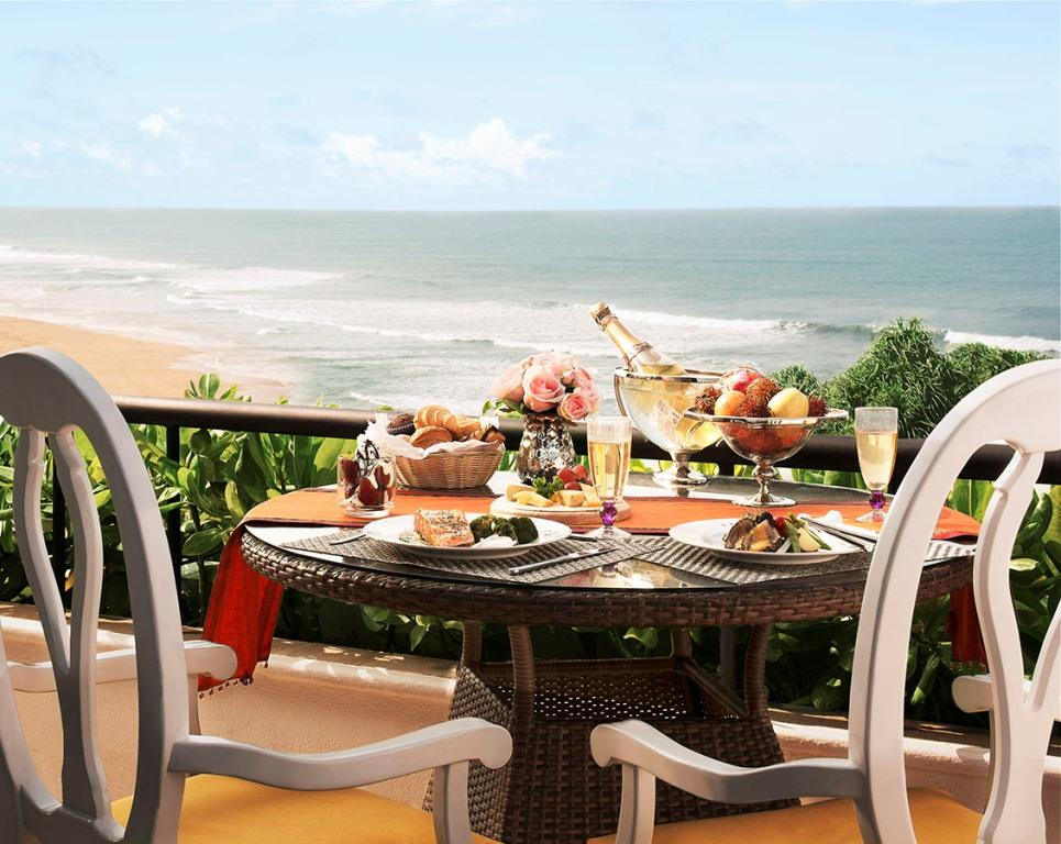 Vivanta Presidential Suite Balcony Breakfast