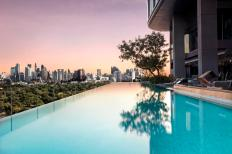 SO Sofitel Bangkok - Infinity Pool 01 (by David Dinh)