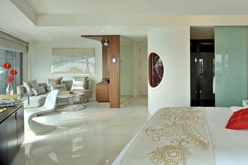 Room (4)