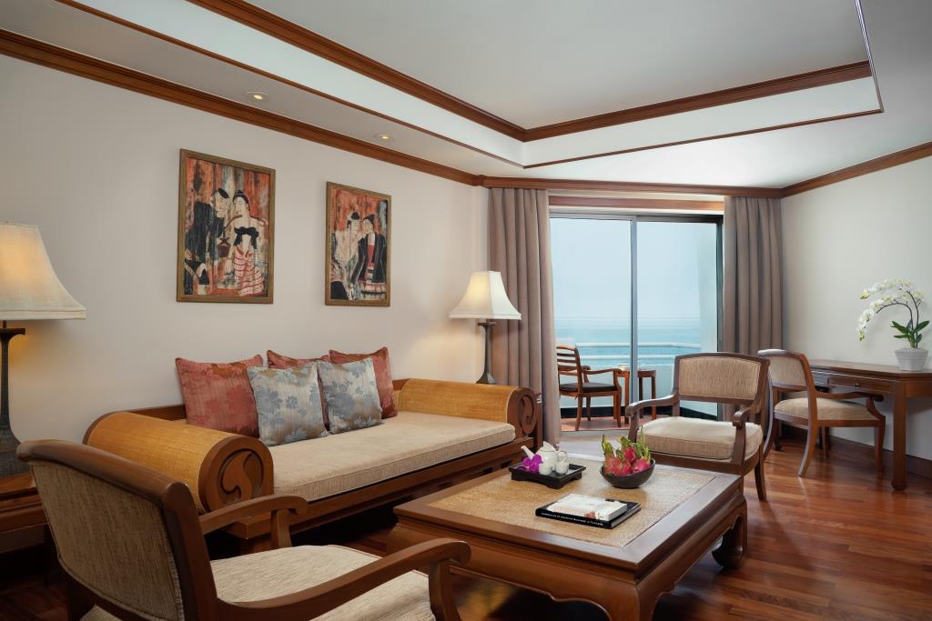 AVANI Pattaya_One Bedroom Suite Living room