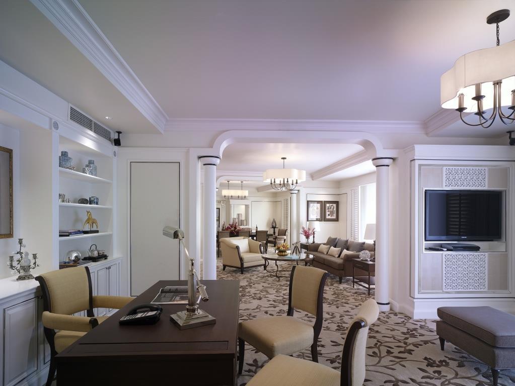 Specialty Suite – Living Room_Shangri-La Hotel, Bangkok