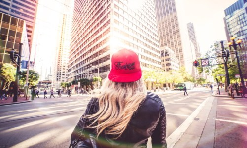 blonde-girl-walking-alone-on-san-francisco-streets-picjumbo-com-web