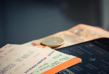 متى تنخفض اسعار تذاكر الطيران