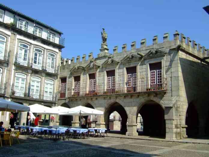 oude poort guimaraes