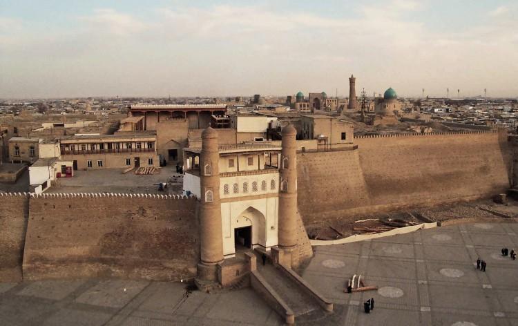 L'Ark-la citadelle de tous les émirs de Boukhara © Doca Tours