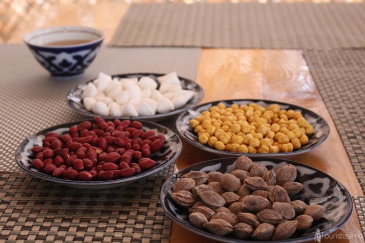Différents assortiments des noix