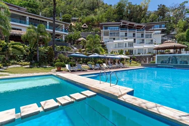 16. Anilao Awari Bay Resort